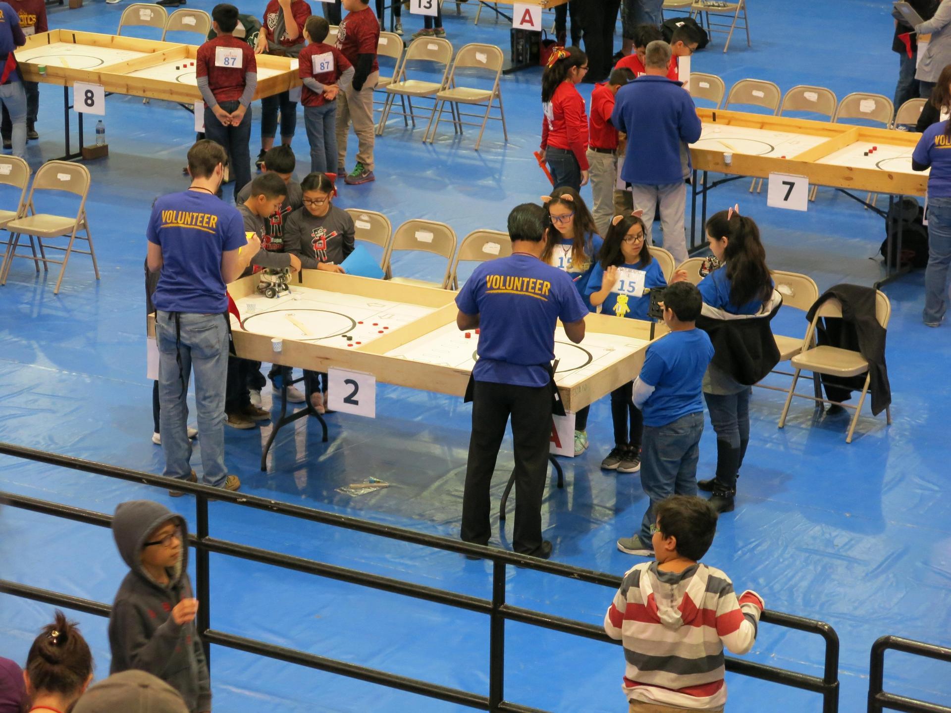 DLV Robotics Team competing