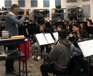 khs_wind_ensemble_robert_franz_houston_symphony_associate_director_visits2_120618 copy.jpg