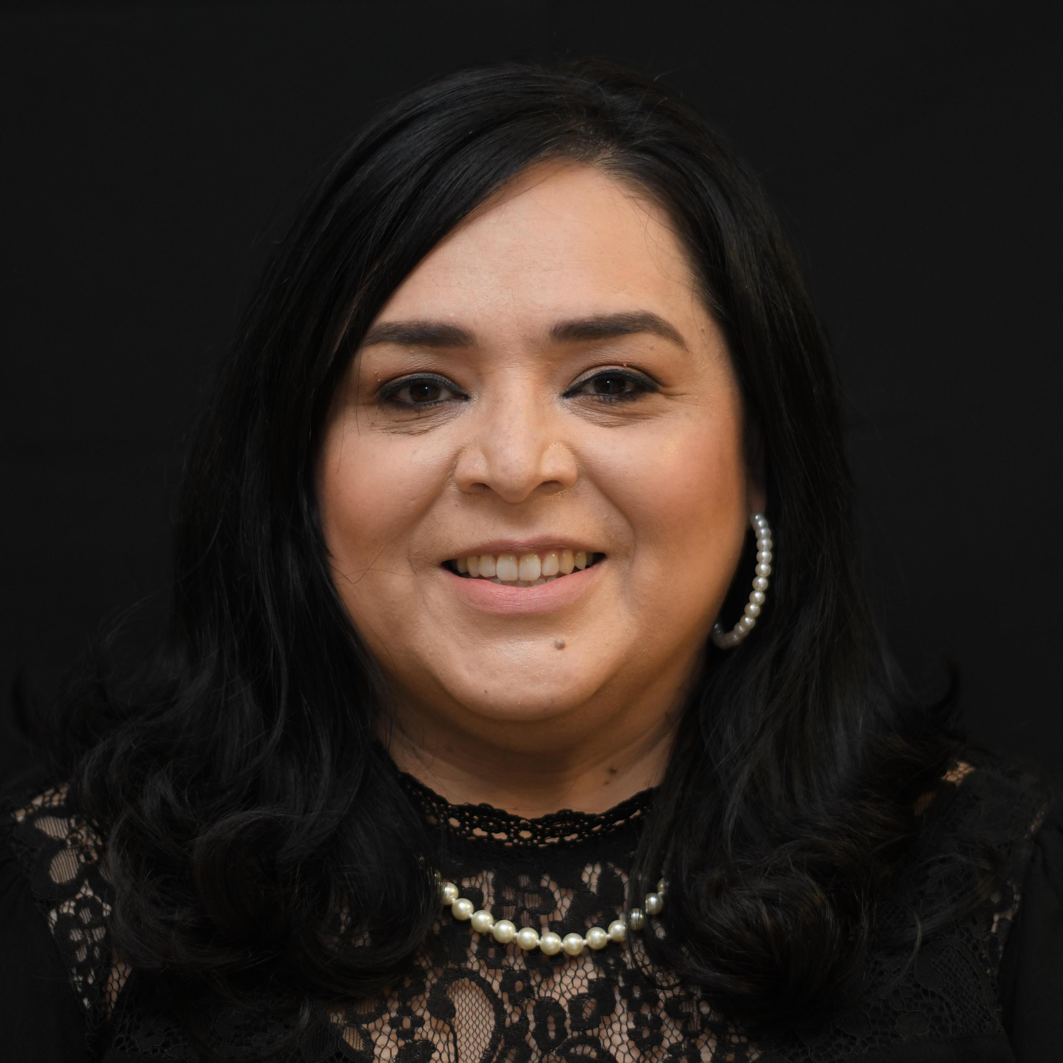 Leslie Pina's Profile Photo
