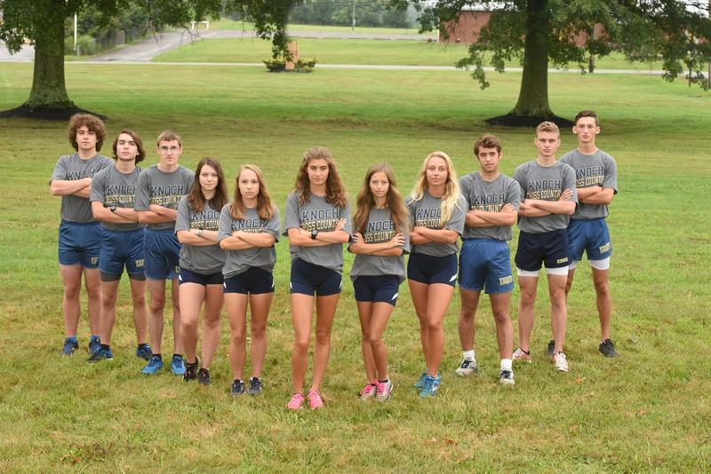 pic of Cross Country seniors