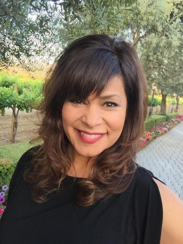 Principal Linda Diaz-Sepulveda