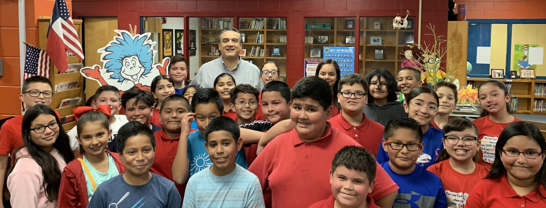 Dr. Jose Peralez III, DDS celebrates Read Across America
