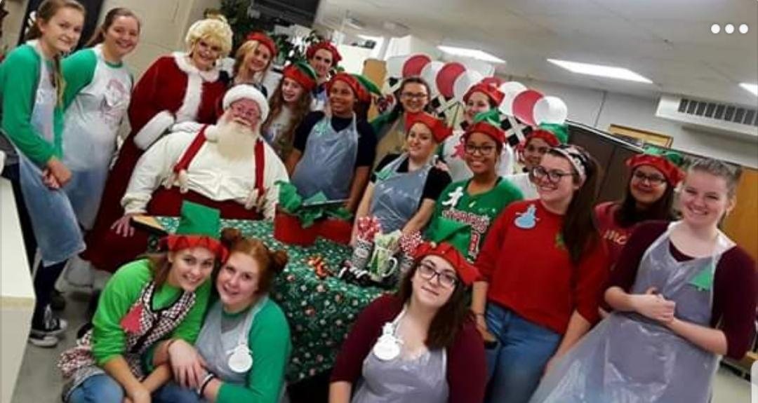 group photo of fccla members at christmas culinary camp