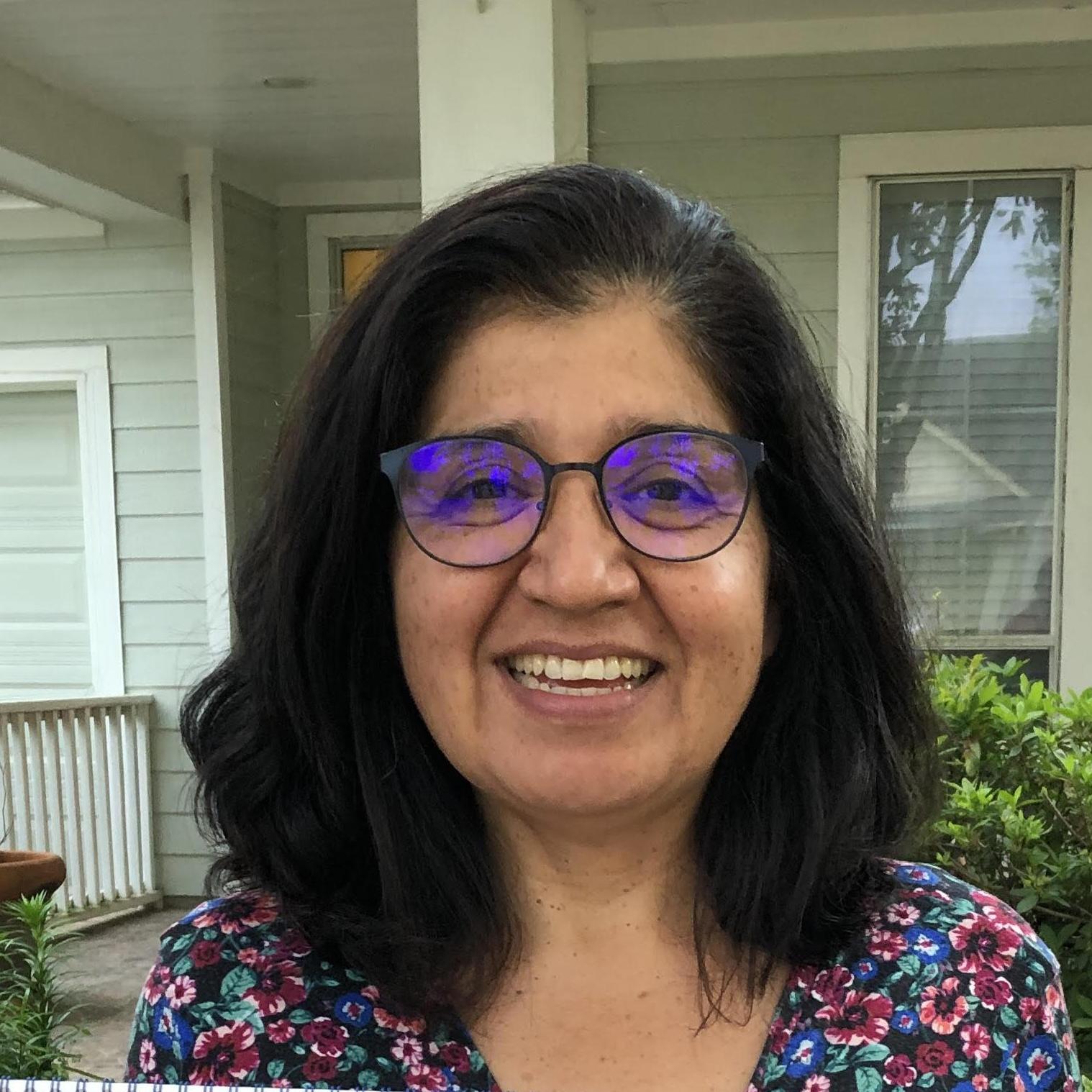 Lourdes Olivares's Profile Photo