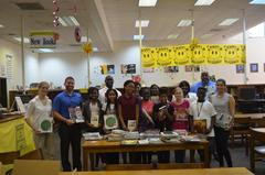 JL Newbern Faculty and students in the Media Center