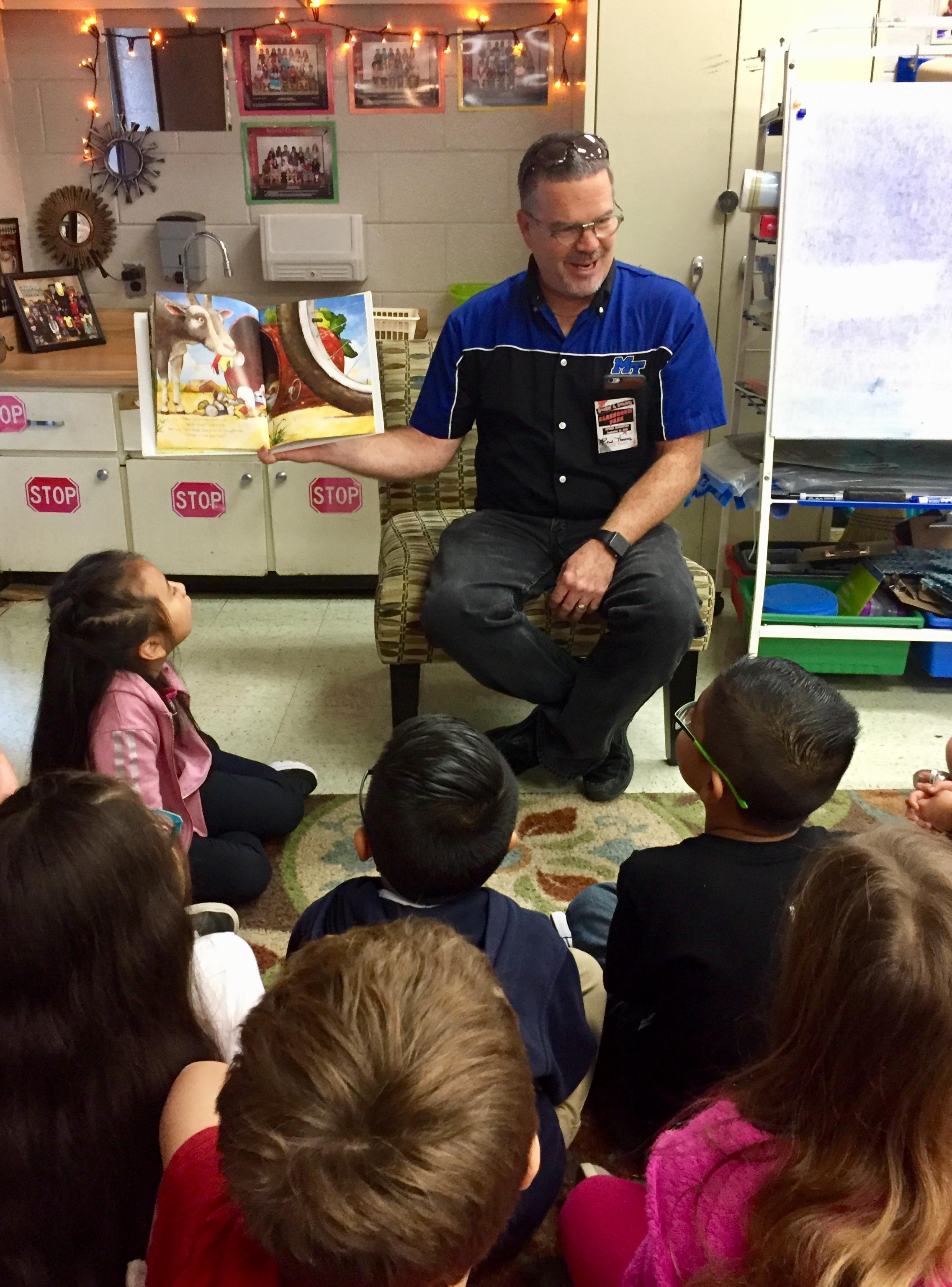 Dr. Thomas DOB MTSU - Reading in Schools Day