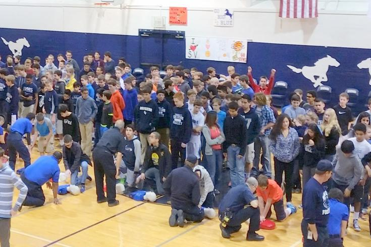 SVMS students learn CPR