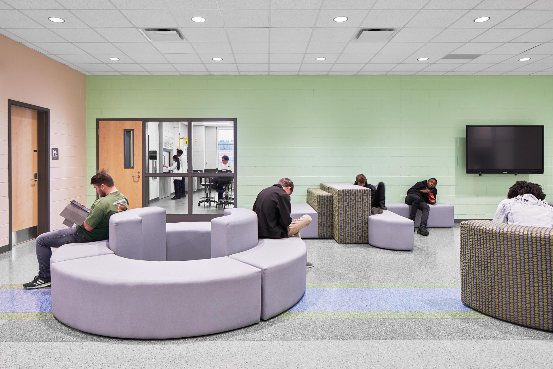 Lexington 2 Innovation Center Collaborative Area