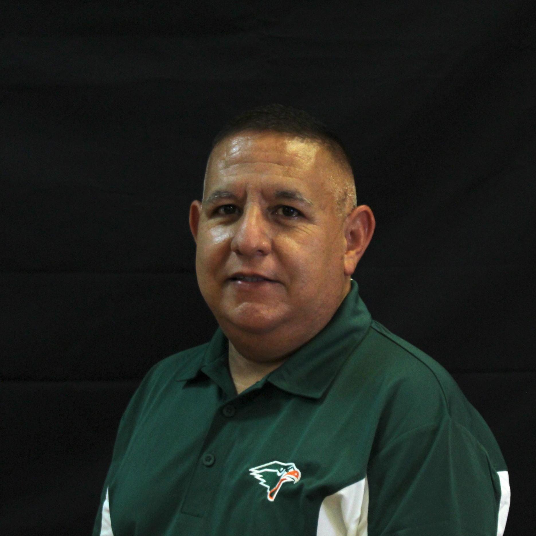 javier benavides's Profile Photo