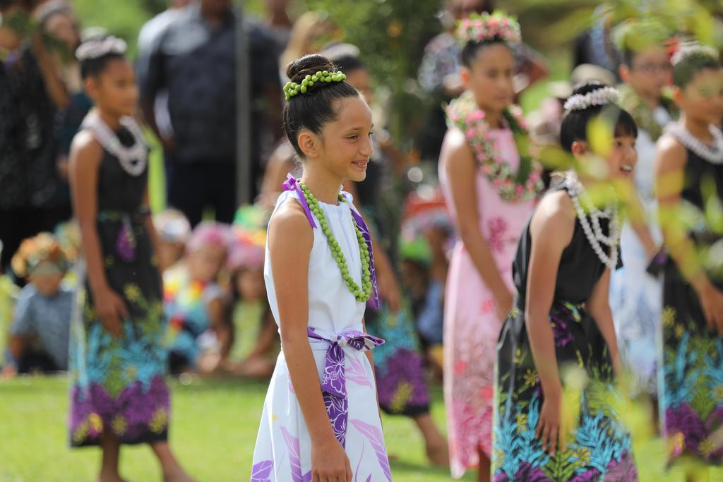 princesses preparing to dance