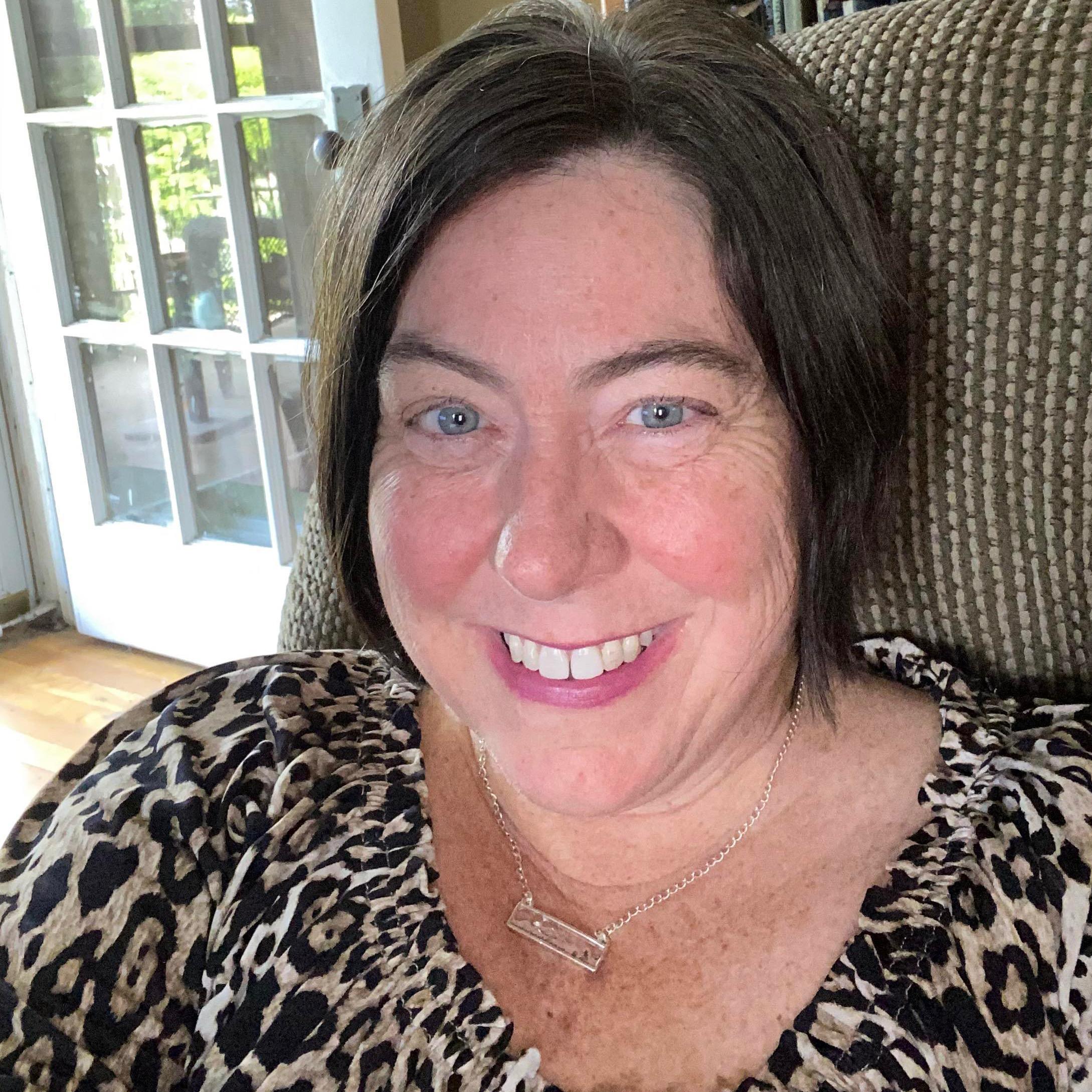 Lori Holguin's Profile Photo