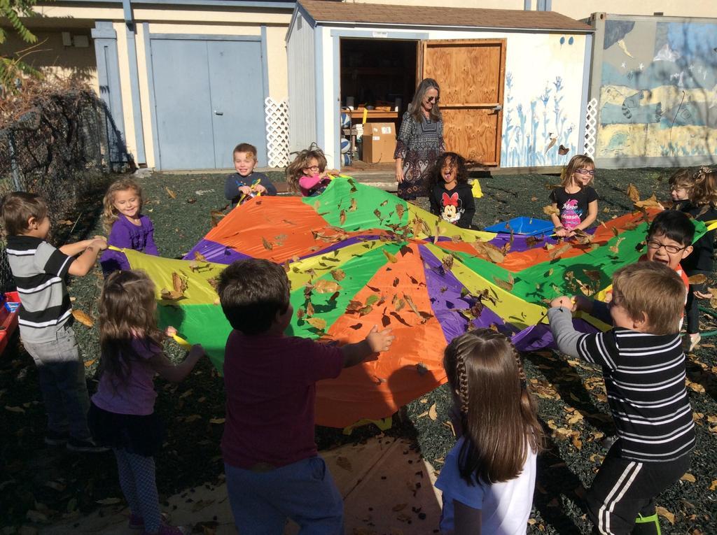 Children parachute leafs