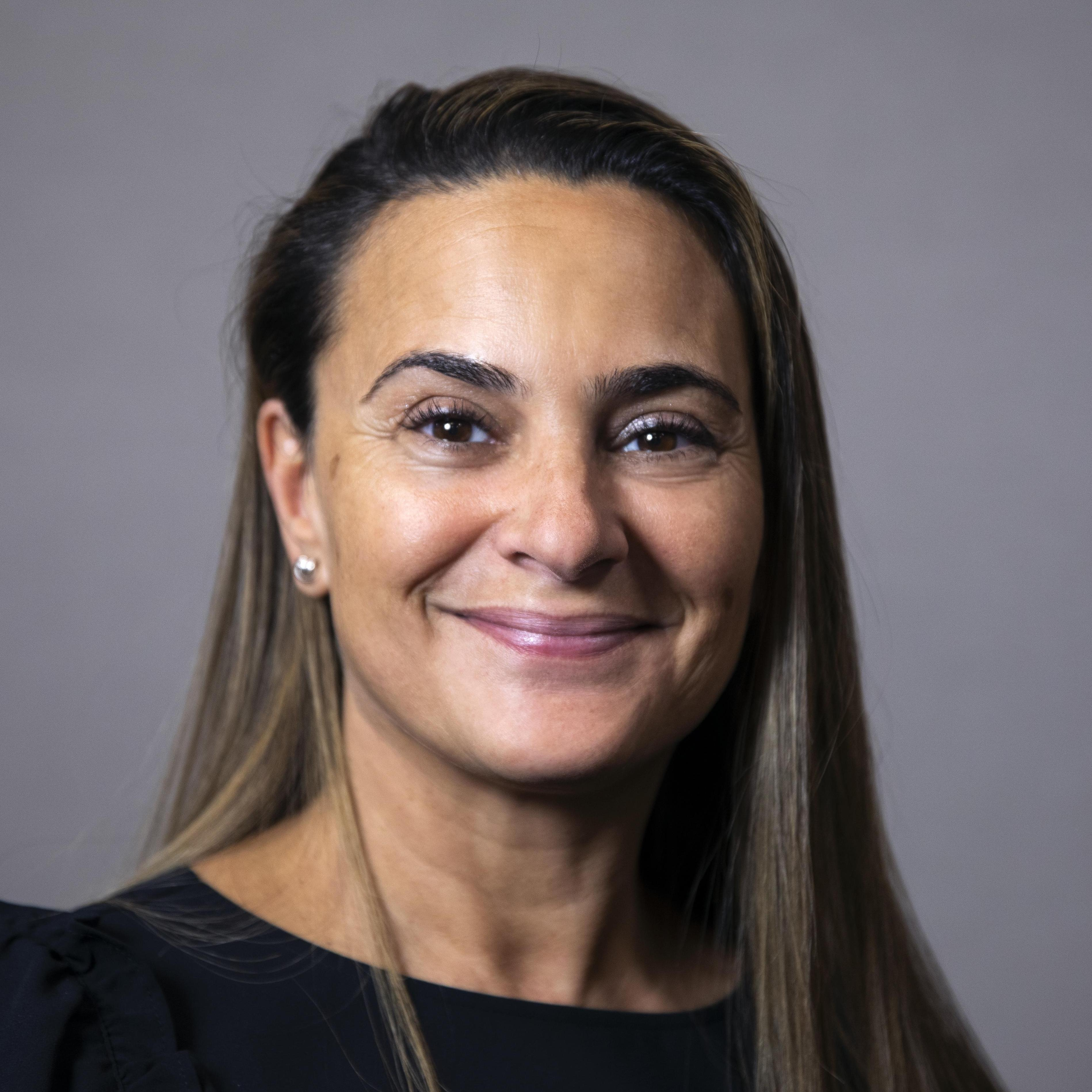 Nella Pires's Profile Photo
