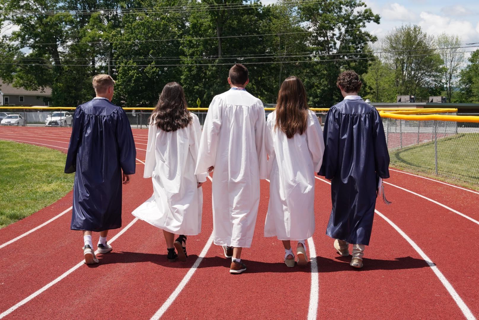 Graduates of Class 2021 - Photo by Betsy Hansen