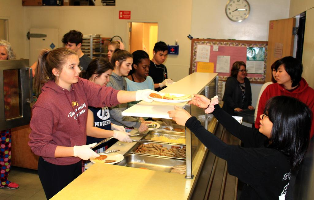 Student Council sponsored mid-term breakfast for schoolmates
