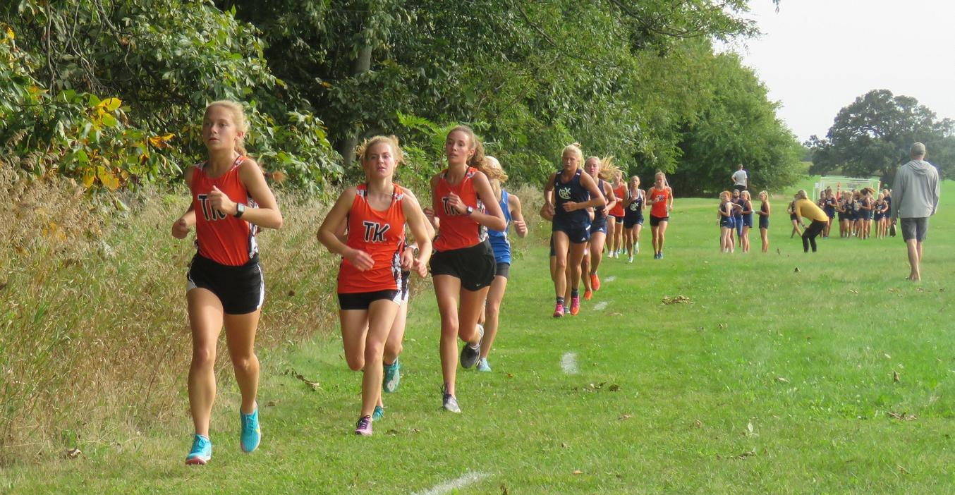 TKHS cross country runners stay together in a pack during the race.