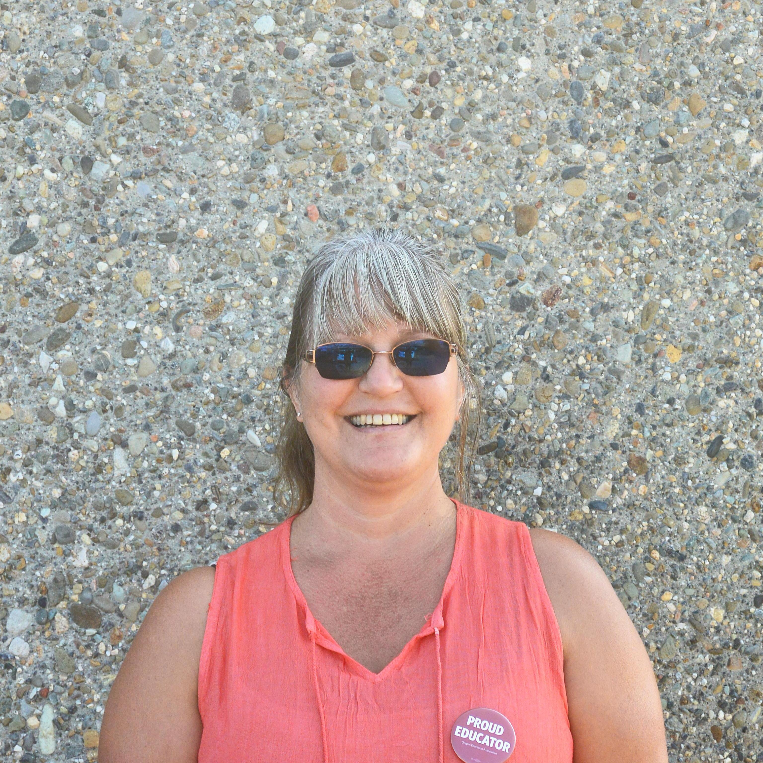 Molly Earl's Profile Photo