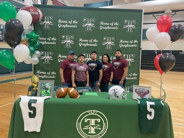 Jeremiah Sanchez Signs with McMurry University Featured Photo