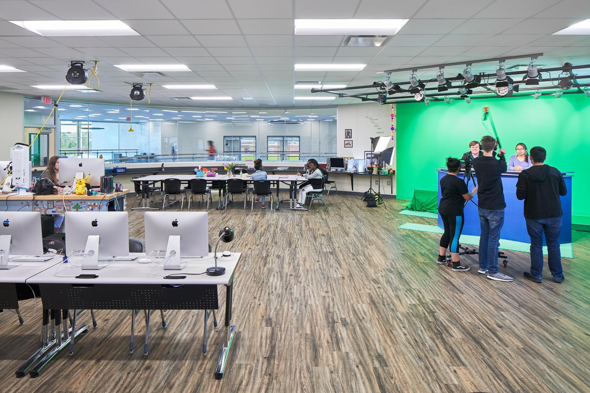 Lexington 2 Innovation Center Multimedia and Animation Classroom Studio