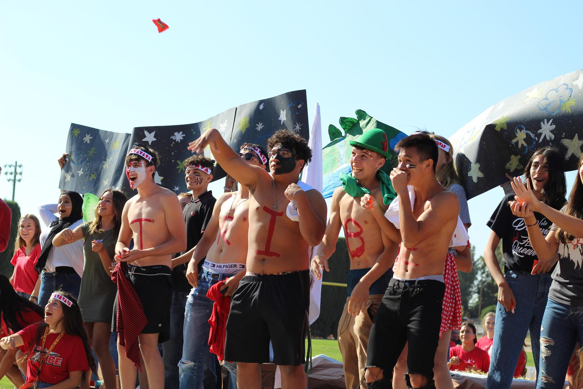 Students on Homecoming Float