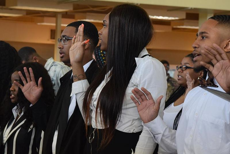 28 Natchez High School Students Inducted Into the National Honor Society Thumbnail Image