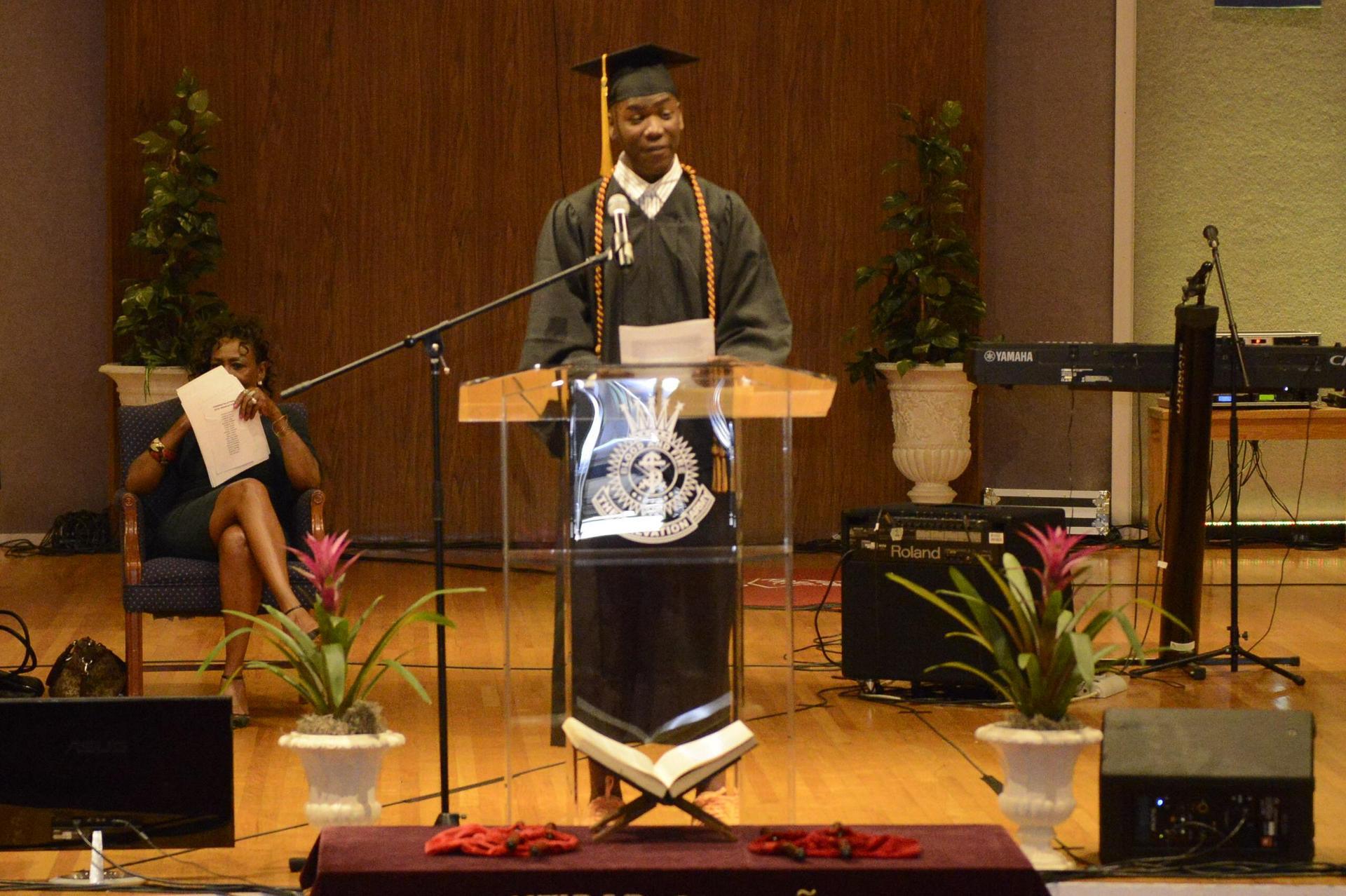 A 2018 grad gives a speech