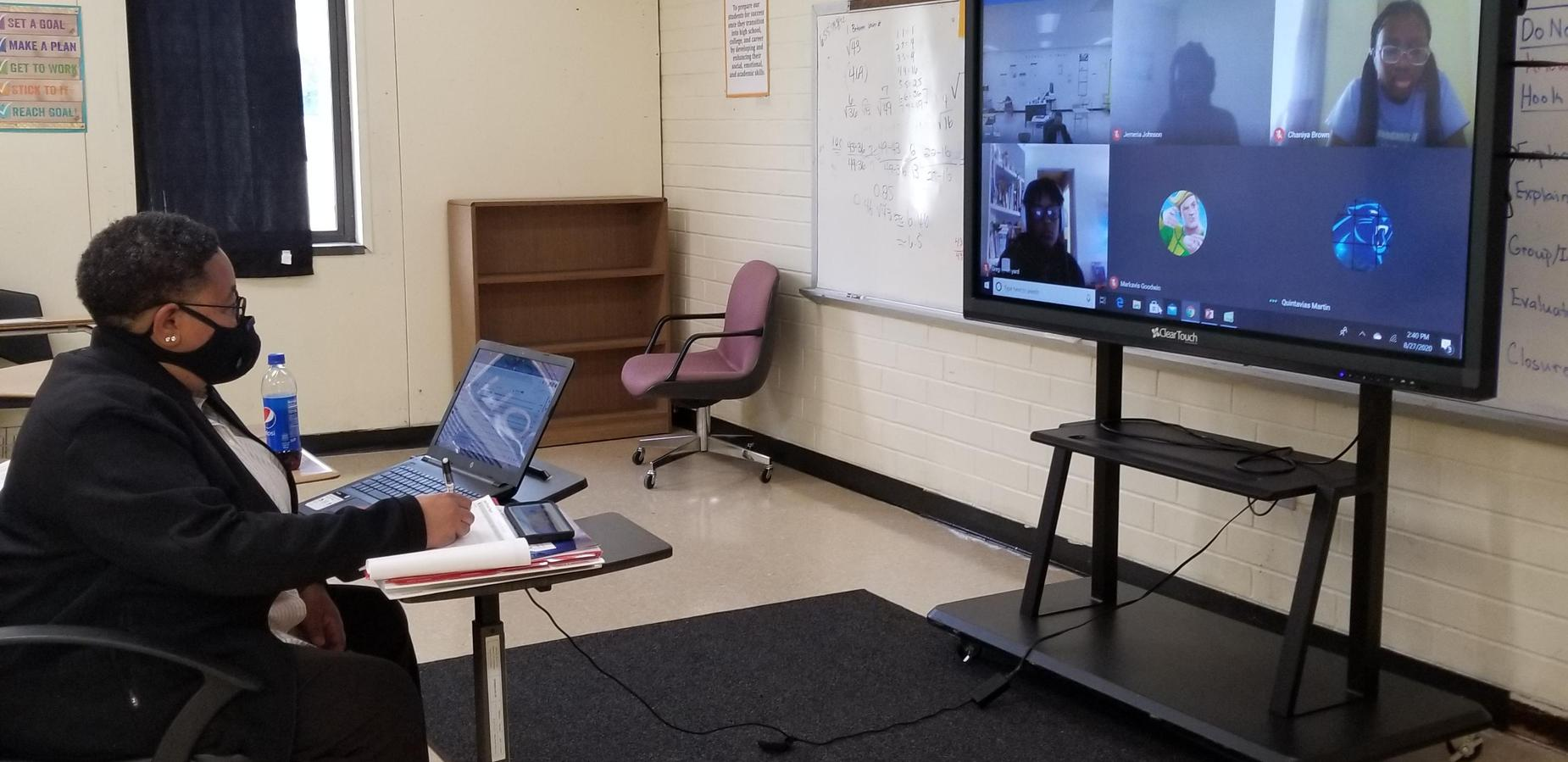 Ms. Carter teaching virtually