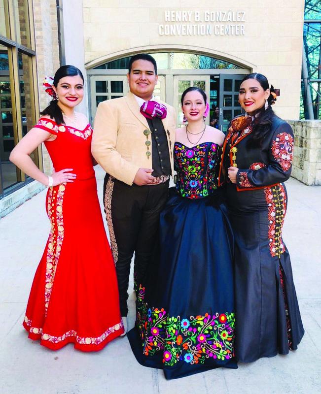 McHi Mariachi performers