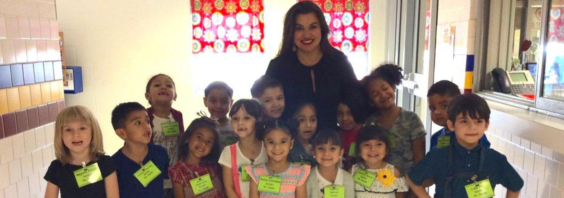 Kindergarteners meeting Ms. Garza