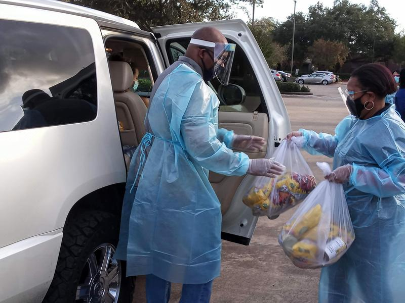 SW Thanksgiving food drive serves 200 families Featured Photo