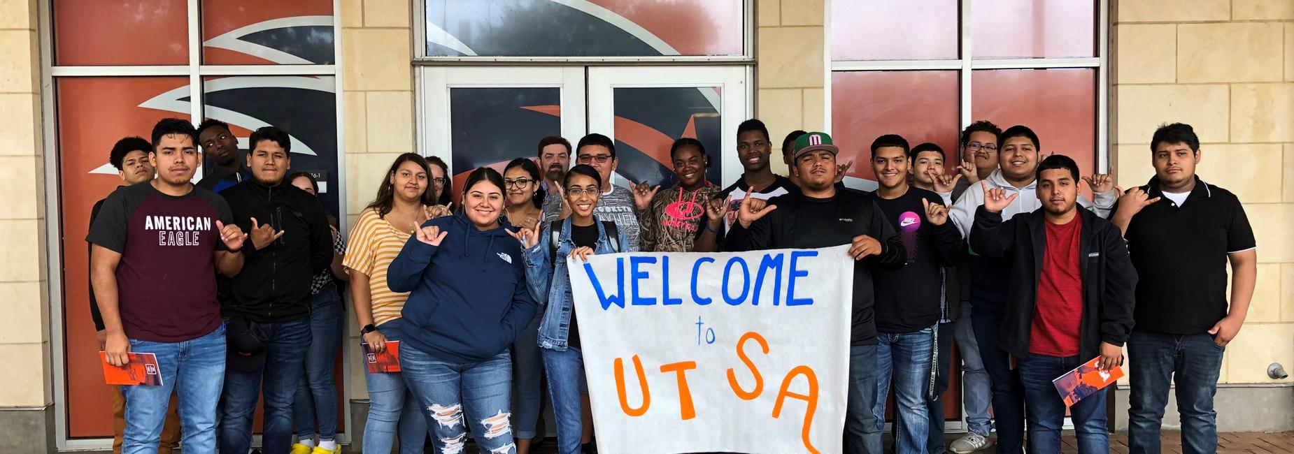 Students at UTSA for college field trip