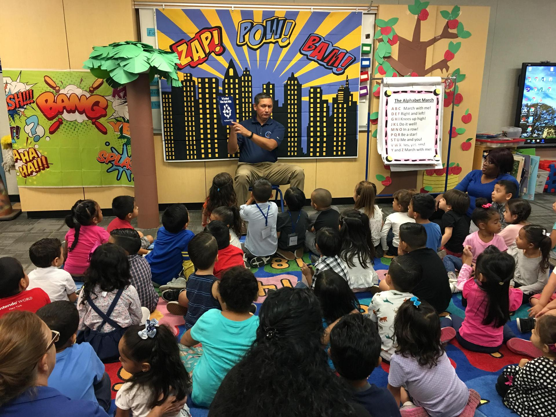 Celebrating Community Heroes' Month, Madison Head Start welcomed the visits from Pomona Mayor Tim Sandoval and Alfredo Camacho from Day One.