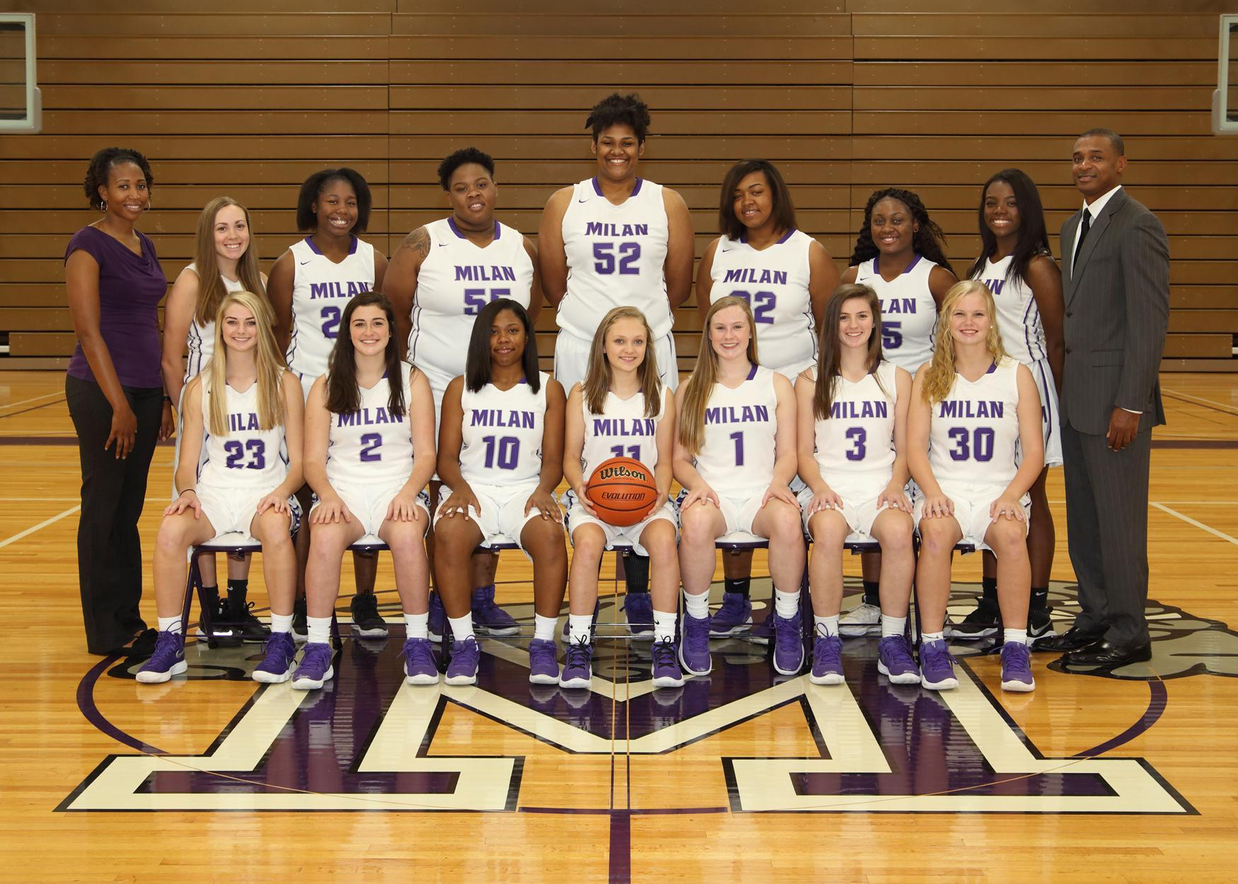Group Photo of the Girl's Basketball Team