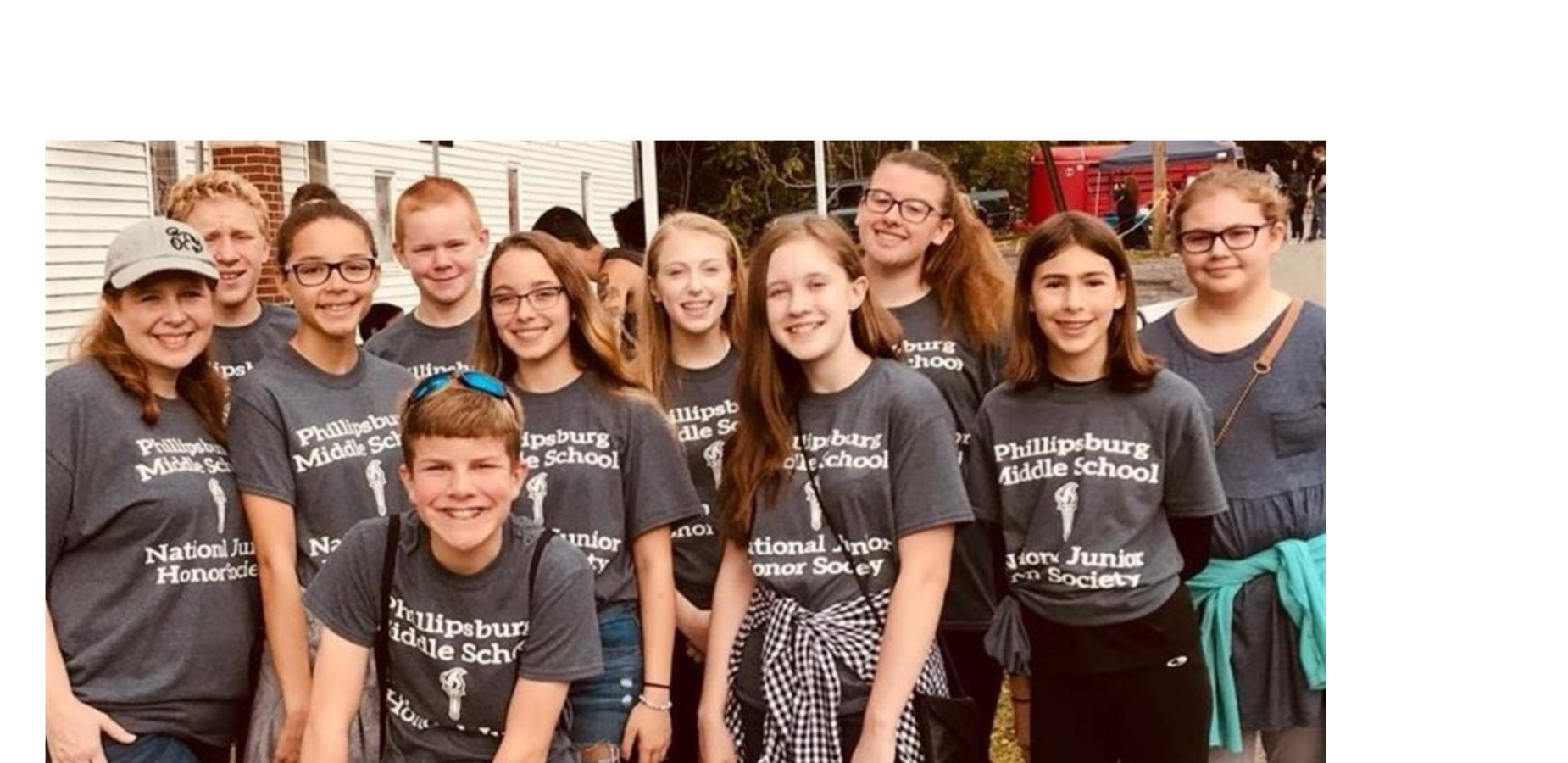 NJHS students volunteering at Pork Roll Palooza