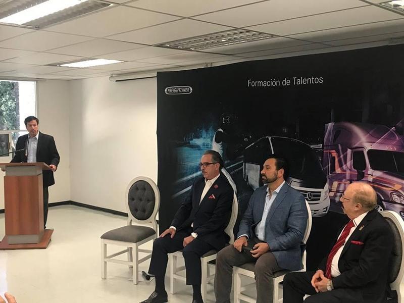"""Entrega de diplomas del programa """"Formación de Talentos"""" Featured Photo"""