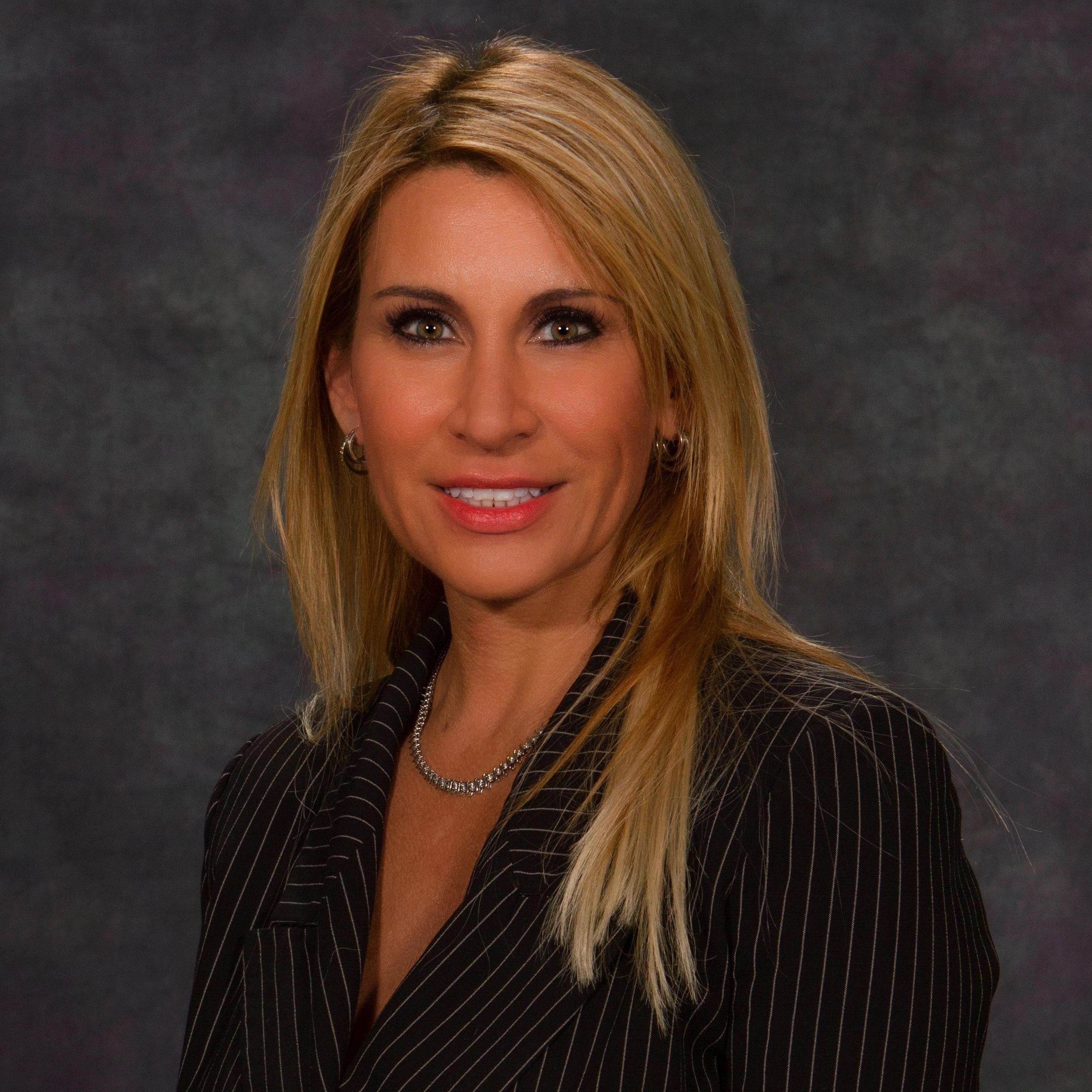 Elizabeth Franco's Profile Photo
