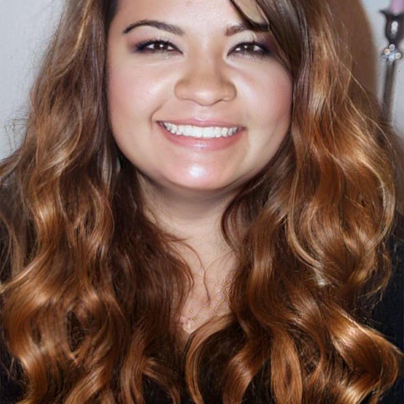 Claudia Flores's Profile Photo