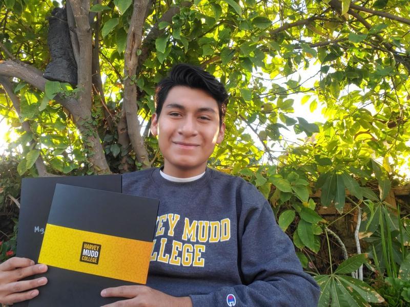 Nestor Mandujano Edison Scholar Winner