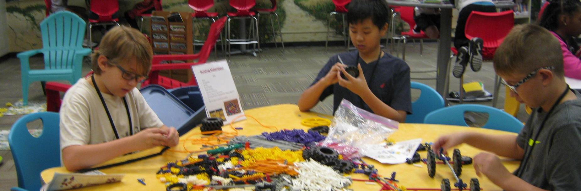 students building in the learning commons makerspace