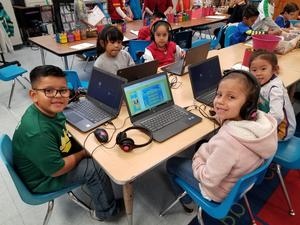 students using chromebooks