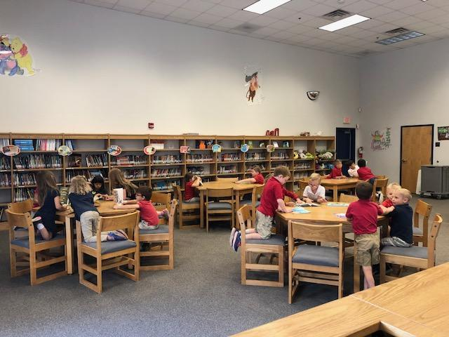 Kinder class in Library