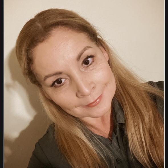 Isabel Lara's Profile Photo