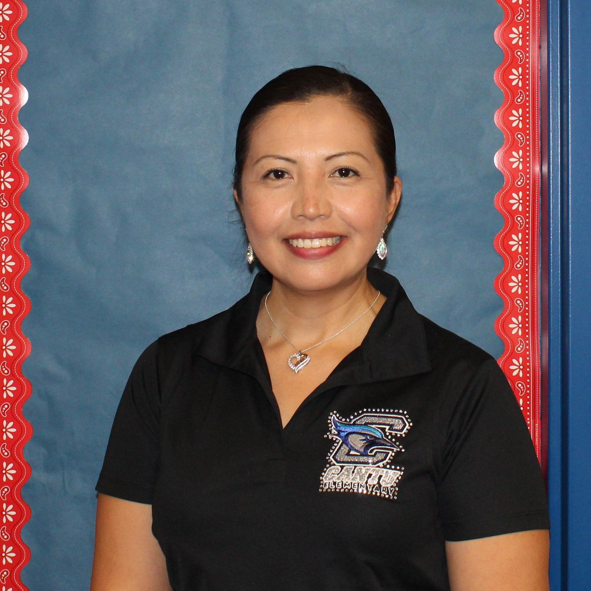 Elizabeth Lozoya's Profile Photo