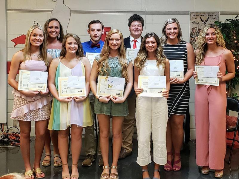 Graduating Seniors Honored at Senior Academic Banquet Featured Photo