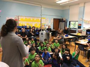 Teacher Kimberly Bermudez and her first grade class