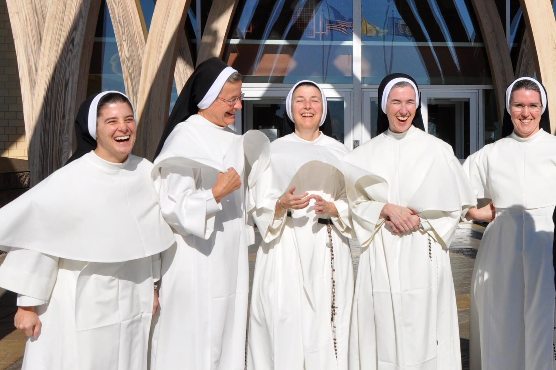 A group of Dominican sisters laughing