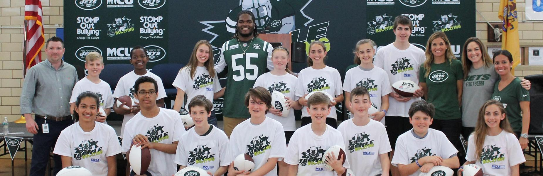 New York Jets Linebacker Lorenzo Mauldin visited Edison Intermediate School on May 4, praising students and staff for creating a supportive school culture that says no to bullying and yes to kindness and empathy.