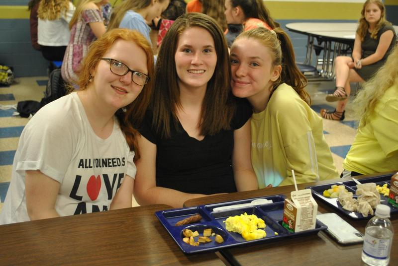 high school girls at lunch