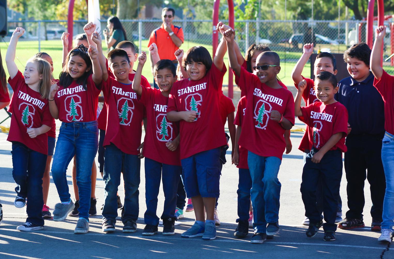 Rio Vista students cheering!