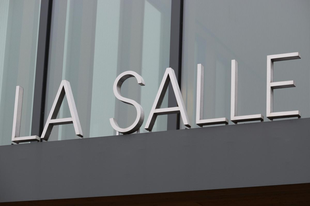 photo of the sign that says La Salle